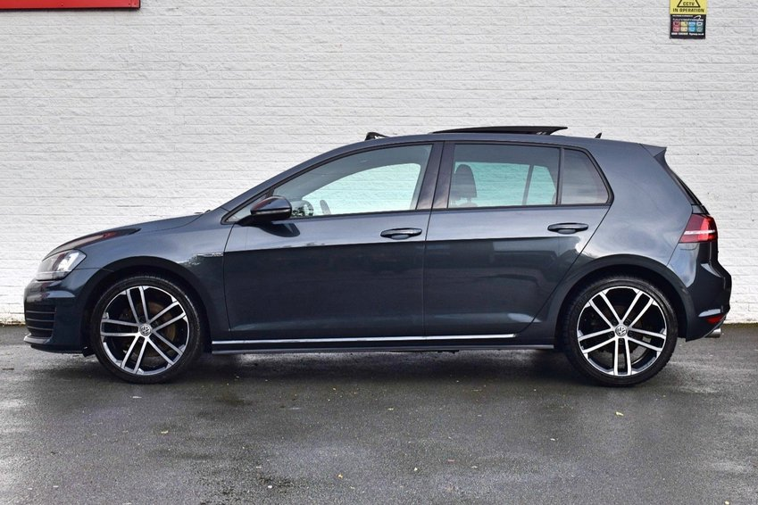 View VOLKSWAGEN GOLF TDi 184 DSG BlueMotion GTD Pan Roof- Leather- Pro Nav- Keyless- Dynaudio