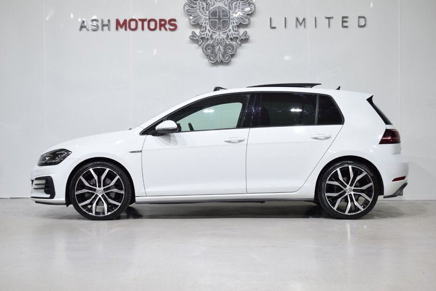 View VOLKSWAGEN GOLF GTD 184 DSG BlueMotion DSG - PAN ROOF- LEATHER- DCC- DYNAUDIO