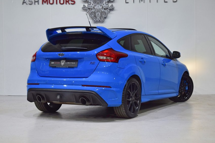 View FORD FOCUS RS EcoBoost 350 - SHELL SEATS - LUX PACK - SUNROOF