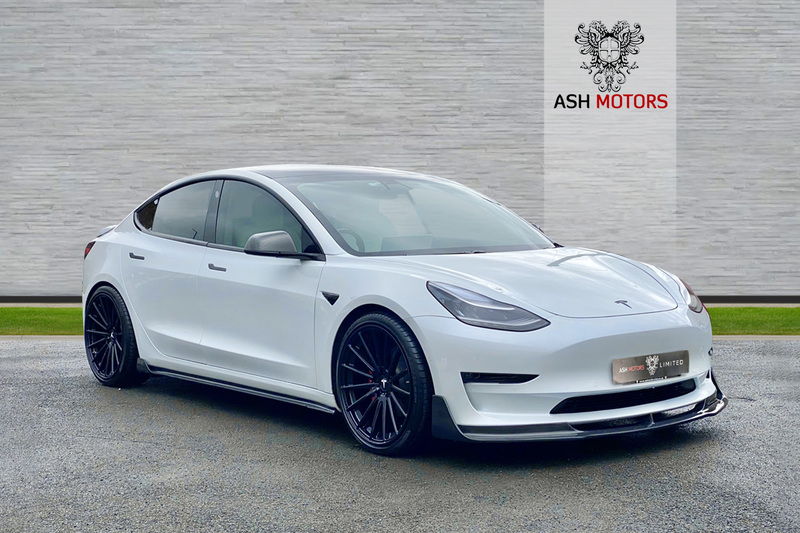 TESLA Model 3 PERFORMANCE - CARBON FIBRE BODYKIT - 20in FORGED ALUMINIUM ALLOYS - AMBIENT LIGHTING